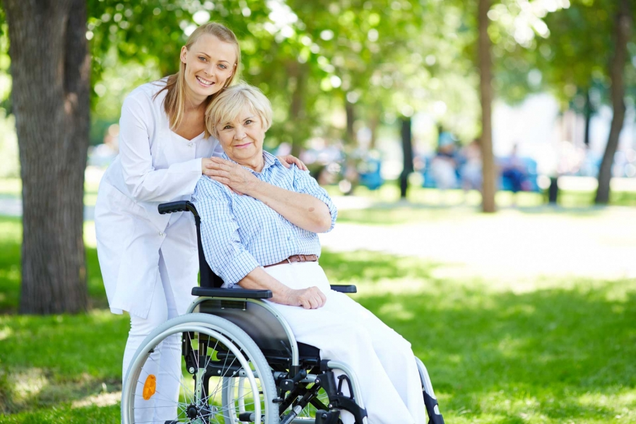 Comment devenir aide-soignant ?